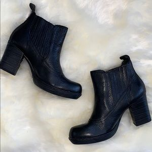 Leather Born Boots in Black